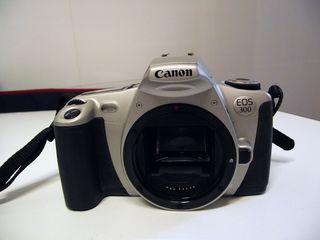 CAMARA REFLEX CANON EOS 300 IMPECABLE