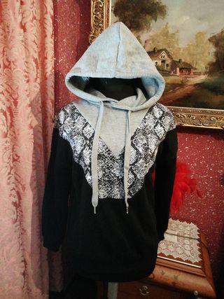 Sudadera jersey serpiente talla S estampada negra