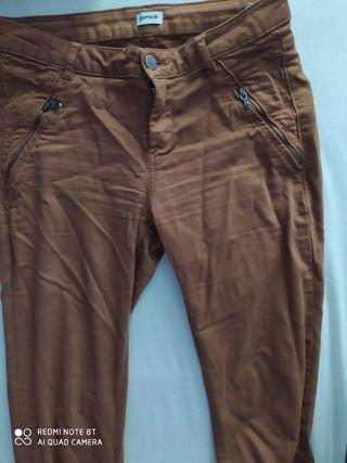 Pantalón marron