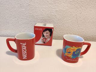 Taza roja Nescafé. Nueva