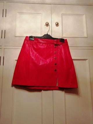 mini falda roja polipiel talla M cuero piel charol