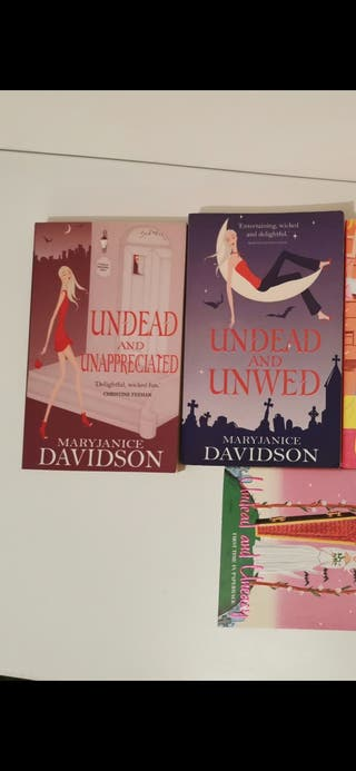 colección undead and unwed