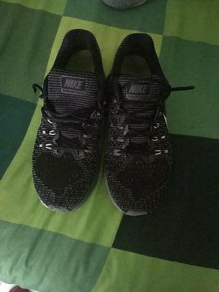 vendo zapatillas Nike zoom structure 43