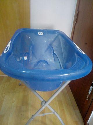 bañera de bebé con patas