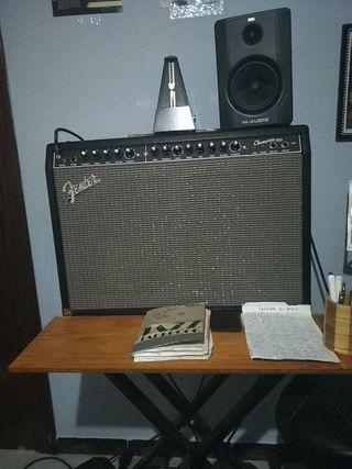 Fender Champion 100 y mesa makie