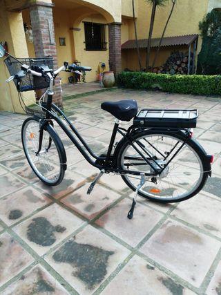 Bicicleta Eléctrica urbana de cuadro bajo