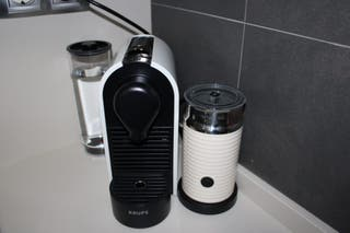Cafetera + Aeroccino Nespresso
