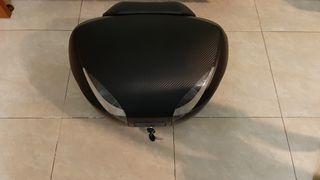 Baúl de moto SHAD SH48 CARBON