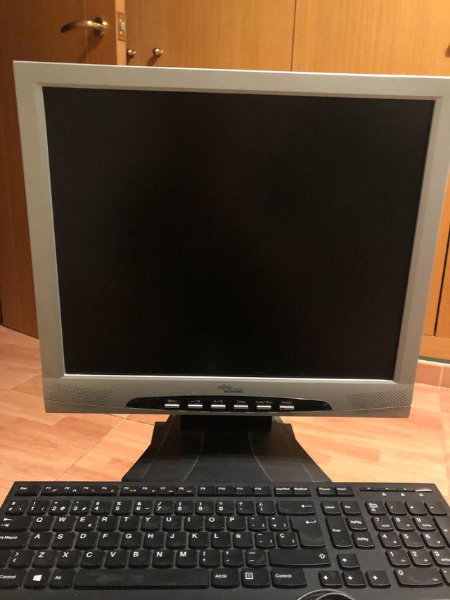 Ordenador + monitor + teclado y raton