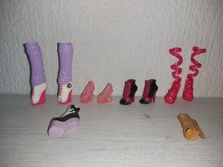 Monster High zapatos, Ropa, y demas...