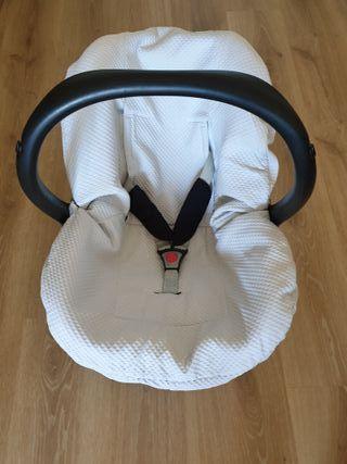 Funda azul piqué silla Maxi cosi