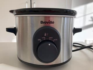 Almost New Compact Slow Cooker
