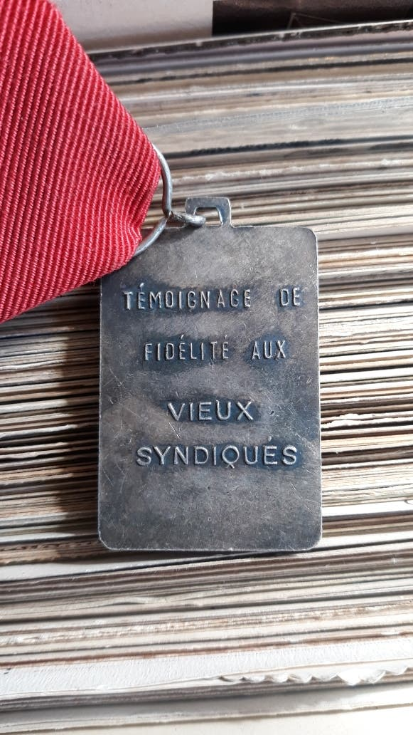 Medalla CGT grupos sindicales franceses