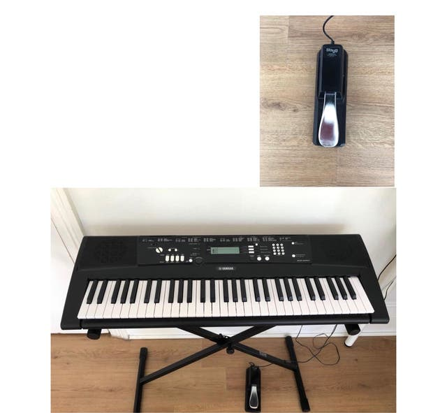 Pack Almost New Yamaha Piano EZ-220 61keys