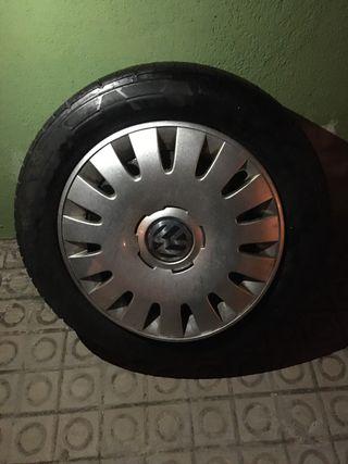 "Llantas 16"" con neumáticos"