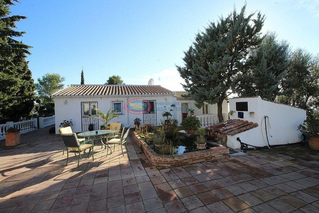 Villa en venta en Sayalonga (Sayalonga, Málaga)