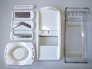 Mandolina de cocina + 4 acc. de corte y depósito