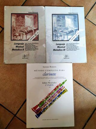libros de música y clarinete