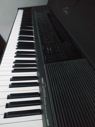 Piano/ Teclado Yamaha clavinova