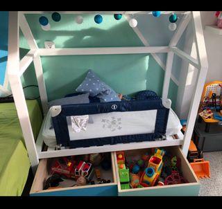 Cama casita y armario