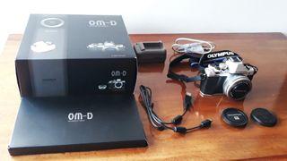 Olympus E-M10 Mark-II. Evil de 16.1 MP. Como nueva