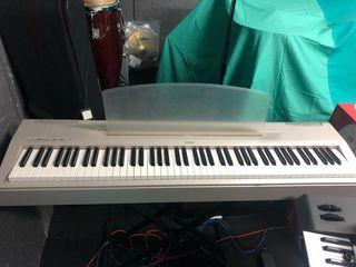 Piano electrico Yamaha soporte y funda