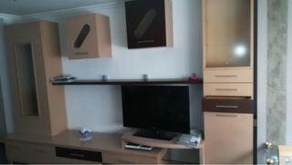Mueble de salón moderno nuevecito y bien cuidado