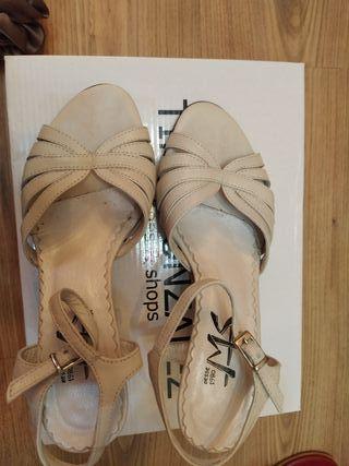 Sandalia piel blanco roto