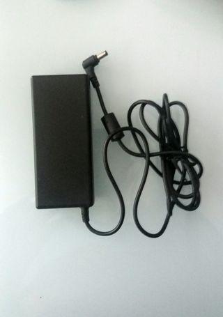Adaptador ac para portátil 19V - 4.74A