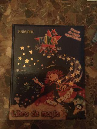 Kika superbruja libro de magia