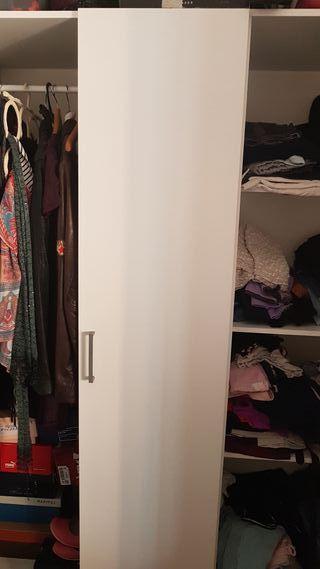 Armario dormitorio con espejos..buen estado