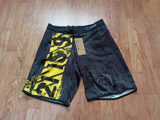 Pantalones CrossFit talla L, con etiqueta