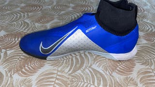 Zapatillas Nike futsal.