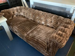 Sofa tapizado tela modelo Chester