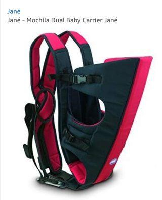 mochila portabebé prácticamente nueva