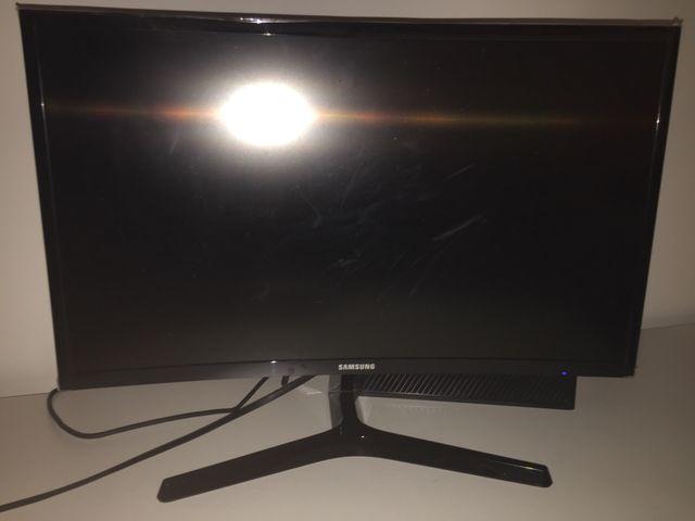 Samsung 24inch curves monitor
