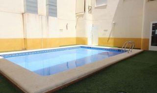 Piso seminuevo con piscina y terraza privativa en