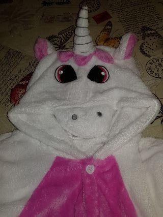 Disfraz pijama-unicornio