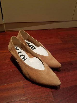 Zapatos ante tacón bajo Bimba y Lola t39 (calza 40