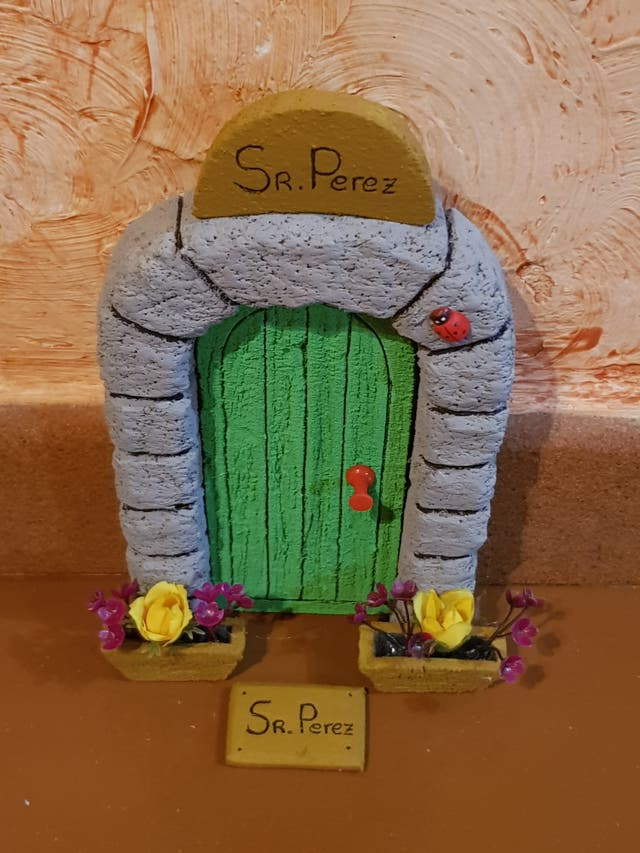 Puerta Verde Raton Perez para Rodapie
