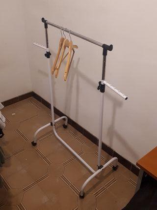 Colgador soporte ropa móbil tendedero