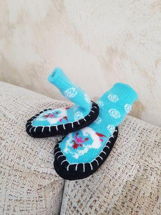 NUEVO Zapatillas/calcetín bebé