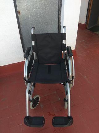 silla de ruedas ortopédica