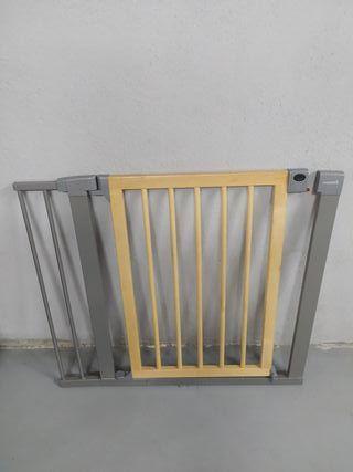 Barrera valla de seguridad para escaleras