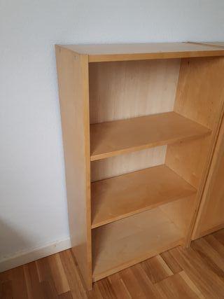 Estantería baja Billy de Ikea color madera