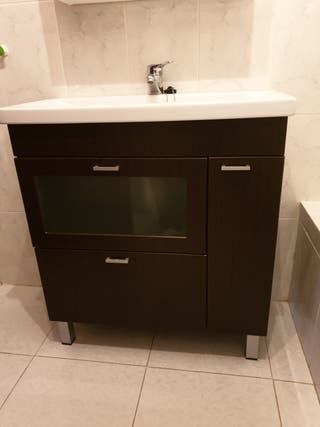 Mueble lavabo + lavabo + grifo color madera oscuro