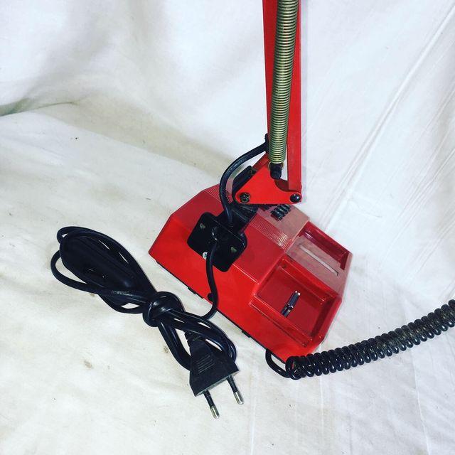 Lámpara teléfono flexo rojo