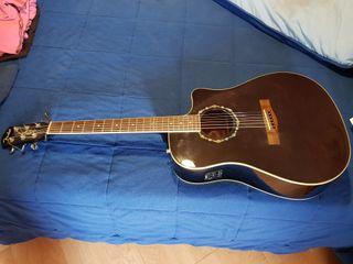 Guitarra Fender electroacústica.