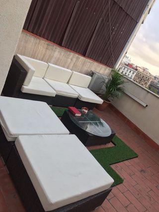 Conjunto de jardín. Sofa y sillones.