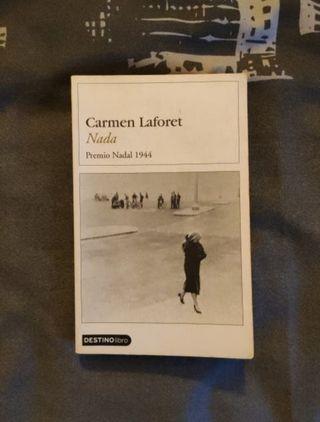 "Libro ""Nada"", de Carmen Laforet"